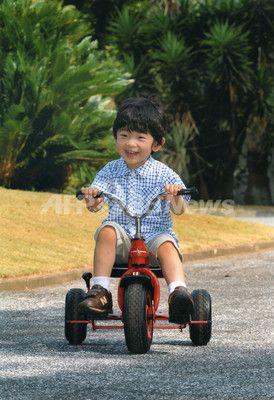 秋篠宮悠仁親王(あきしののみやひさひとしんのう)殿下、3歳のお誕生日