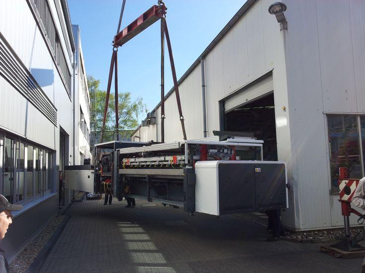 Anlieferung der HP Scitex FB10000 Digitaldruckmaschine bei KL Druck