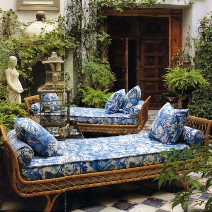 Blue and white for your outdoor retreat.