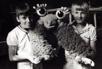 Dancúľ  , postavička z televíznej relácie Poďme deti z roku 1980   Hlas mu prepožičal Ivan Matulík