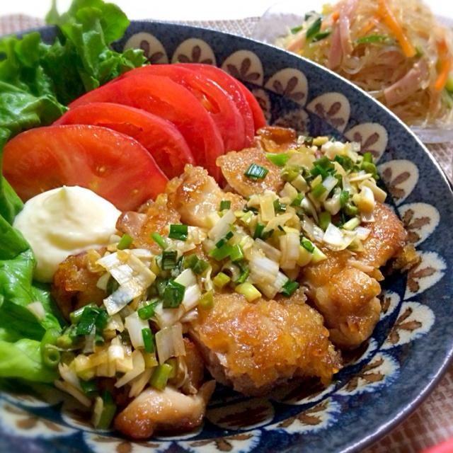 ひかりママさん、こんばんは♡ 油淋鶏、このレシピで初めて作りましたぁ☆*:.。. o(≧▽≦)o .。.:*☆  すし酢がうちには無いので穀物酢で作りましたが…簡単でとっても美味しいッ‼︎ これまたタレが絶品です*\(^o^)/* お皿に残ったネギとタレはご飯にかけて最後までいただいちゃいました♡  油淋鶏はこのレシピでこれからもリピします♪♪  素敵なレシピをありがとうございました(^^)♡  今日の献立は *油淋鶏 *中華春雨サラダ *しいたけとニラ玉の中華スープ でした♪ - 234件のもぐもぐ - ひかりママ♡さんの料理 給料日までの節約メニュー♪鶏肉使い切りで本日は油淋鶏♡このタレ我が家のお気に入り(*^^*) by yuika20