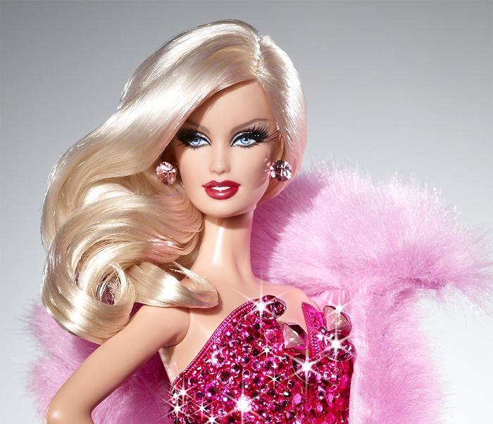 Se Subastó Muñeca Barbie Vestida con Diamantes Rosados por $15,000 ...