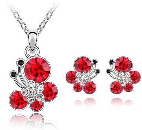 cercei, colier si pandativ cu fluturasi rosii http://www.bijuteriifrumoase.ro/cumpara/cercei-si-colier-lizuca-cu-cristale-249