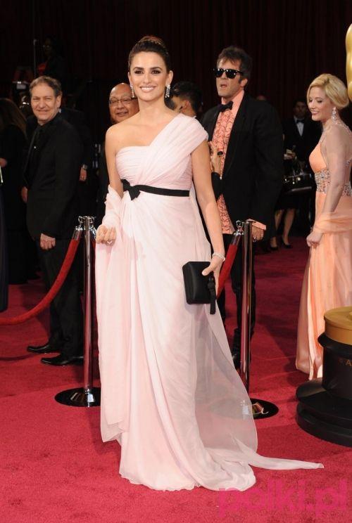 Oscary 2014: Penelope Cruz w kreacji Giambattista Valli. W niej będziesz królową balu, nie tylko na ślubie!