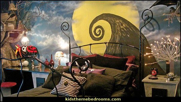 Nightmare Before Christmas Bedroom - the bed is so cool