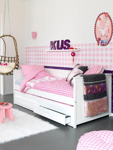 Bedbank met matras- en speelgoedlades