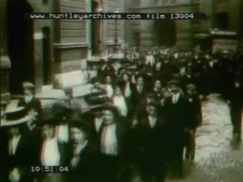 Peek Frean and Co biscuit works Bermondsey, London, 1906.  Film 13004