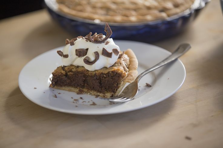 Chocolate Chip Peanut Butter Pie - the flavor of your 2 favorite flavors baking into a #glutenfree pie! (substitute sunflower seed butter for PB if you like, it still tastes great!)