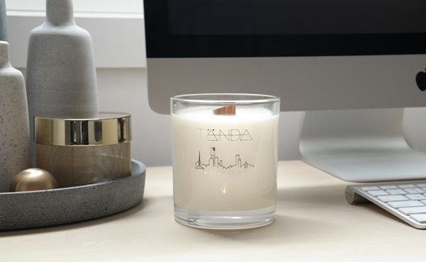 CANDLES & LIGHTING: Melbourne candle by TÄNDA Modern
