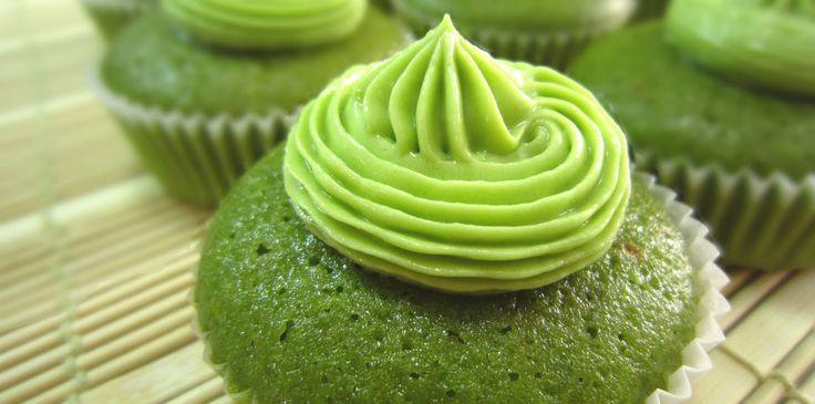 Gorgeous Matcha green tea cupcakes #japaneasy #yummy #matcha