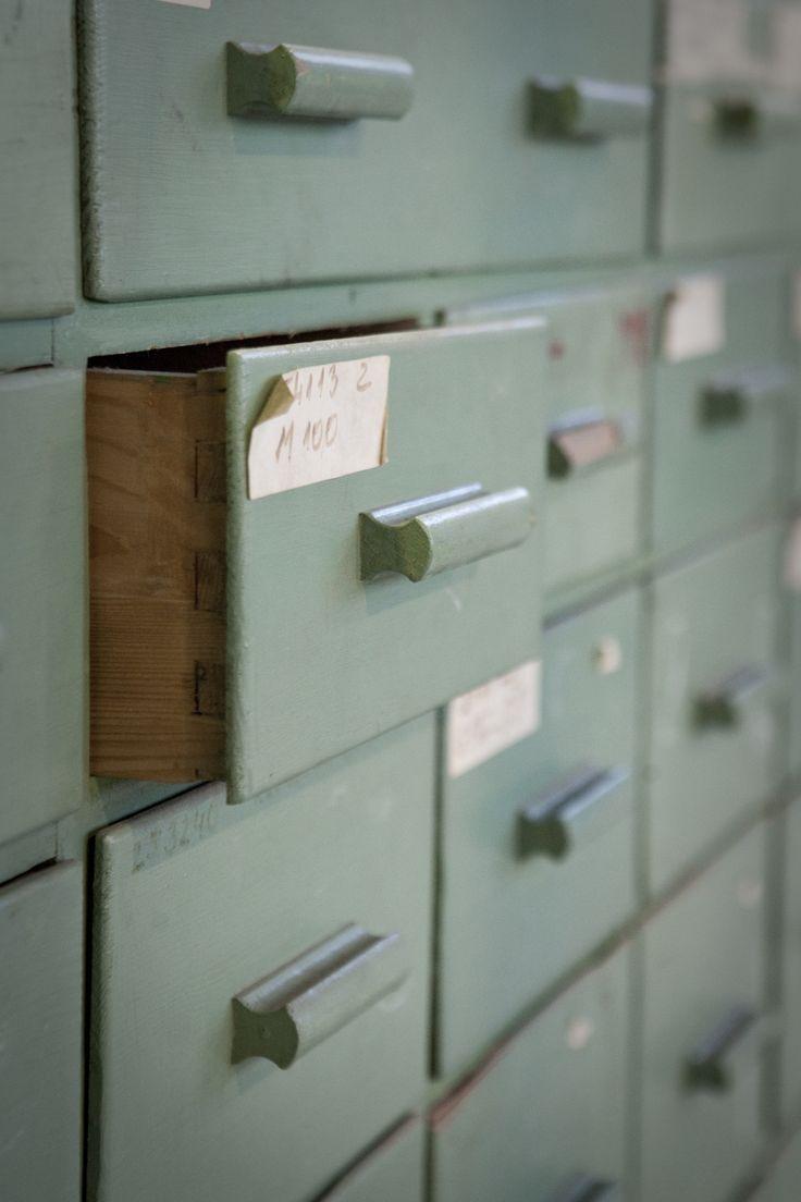 Meer dan 1000 idee u00ebn over Oude Kasten op Pinterest   Kastdeuren, Kasten en Kastdeuren