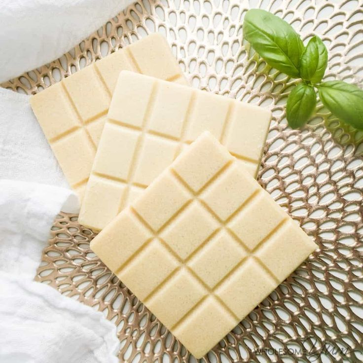 Learn how to make sugar-free white chocolate bars - homemade with just 3 easy steps & 5 ingredients! Use any sweetener you like for regular or low carb versions!