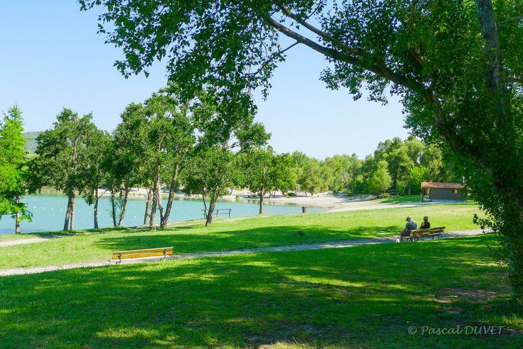 ORAE20 - Lac des Buissonnades - Village d'Oraison - Alpes de Haute Provence 04