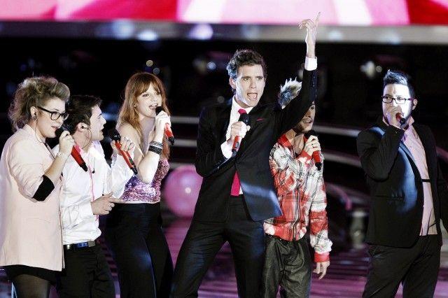 La notizia non è ancora ufficiale, ma sono sempre più insistenti i rumors che vedrebbero Mika vestire i panni di giudice del prossima edizione di X Factor.  http://www.sfilate.it/188693/mika-prossimo-giudice-di-x-factor