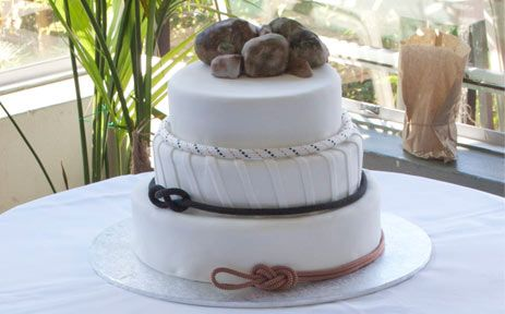 Rock Climbing Wedding Cake | Sugar High Cakes - Custom Cake Decoration for Wollongong, Sydney and The Illawarra