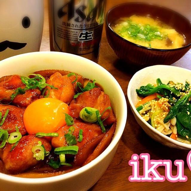 夜は予定があるので息子だけのご飯。 甘辛く炊いた、とりごぼうに卵黄をplusして丼にしました♡ お浸しと具沢山のお味噌汁もいっぱい食べてね❀.(*´◡`*)❀. - 155件のもぐもぐ - とりごぼう丼、ほうれん草とえのきのお浸し、里芋・しめじ・揚げのお味噌汁♡・*:..。♡*゚¨゚゚・ by ichinana