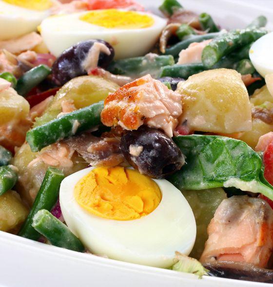 Maxines Burn : Nicoise Salad with Salmon