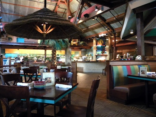 Delish! Wonderful tropical drinks too! It's the Bahama Breeze!