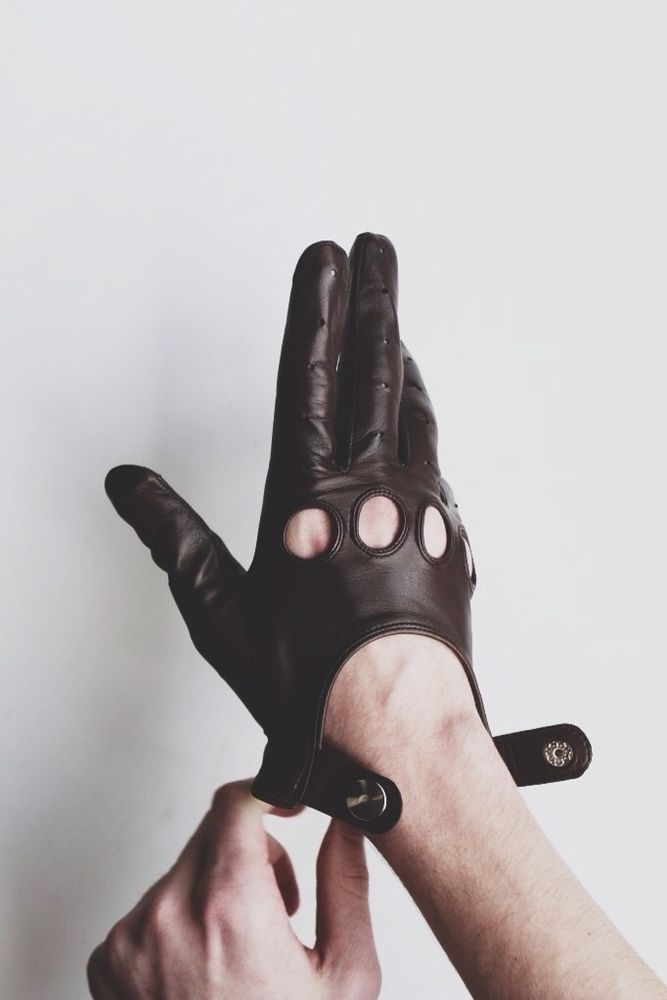 Image of Gaspar leather gloves, as seen in the movie DRIVE.