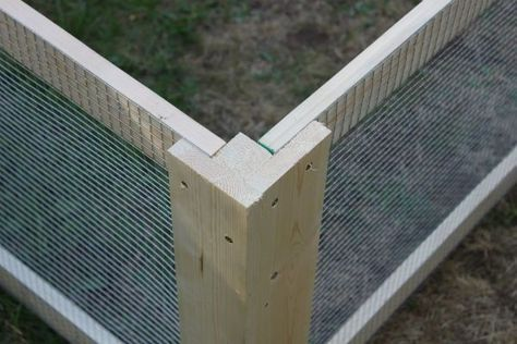 DIY Chicken Coop Corner. Smart and easy way to assemble hardware cloth screens