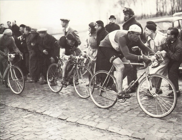 .......Fiorenzo Magni leading out on his Colnago!