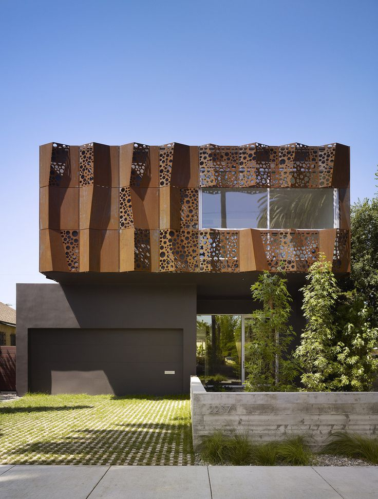 Image 1 of 21 from gallery of Walnut Residence / Modal Design. Photograph by Benny Chan for Fotoworks