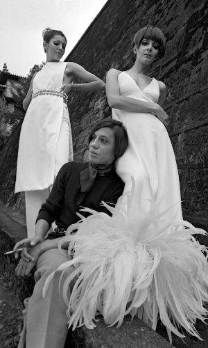 O estilista Clodovil Hernandes quando jovem no começo da carreira.