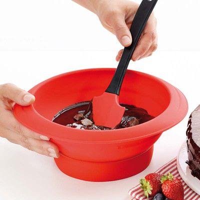 Miska silikonowa do rozpuszczania czekolady Lekue. Zobacz więcej na mykitchen.pl
