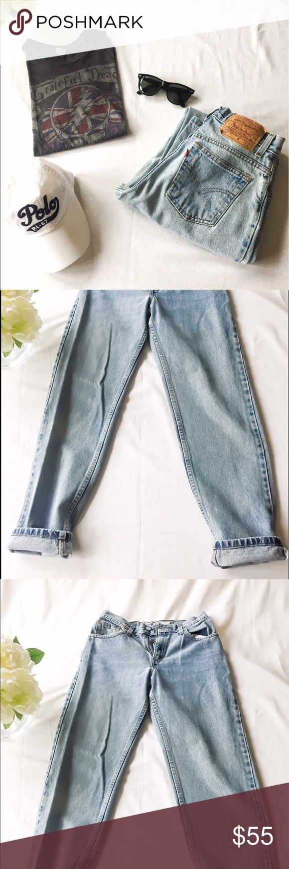 90s Vintage 550 Tapered Leg Light washed Jeans! 90s Vintage 550 Tapered Leg Light washed Jeans!  Rare Jean Find! 100% cotton Jean. Made in the 90s. Look super chic with a tee shirt and jean vintage look! Size 7 Juniors large. If you don't like the leg,  denim shorts high waisted is always an idea! Levi's Pants Straight Leg