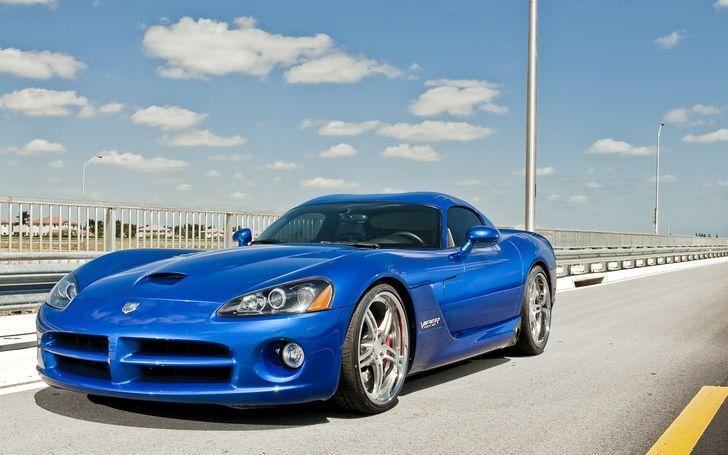 Dodge Viper. Amazing!