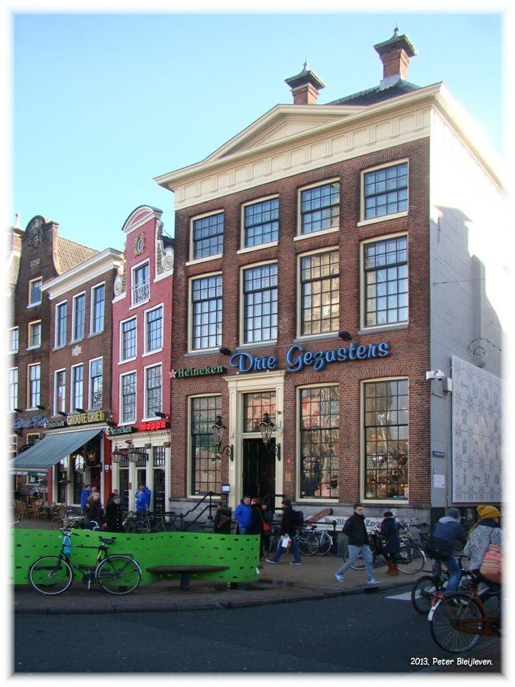 Bekende café's aan de Grote Markt.