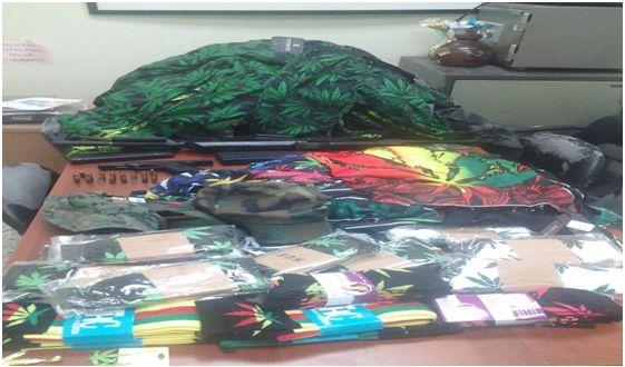 DNCD y MP decomisan en tiendas de Santiago prendas que promueven consumo de marihuana