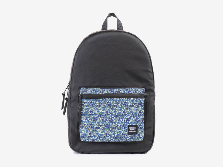 Batoh Herschel Supply & Liberty London – černý, barevné vzory – Settlement Backpack – Petal and Bud Liberty print