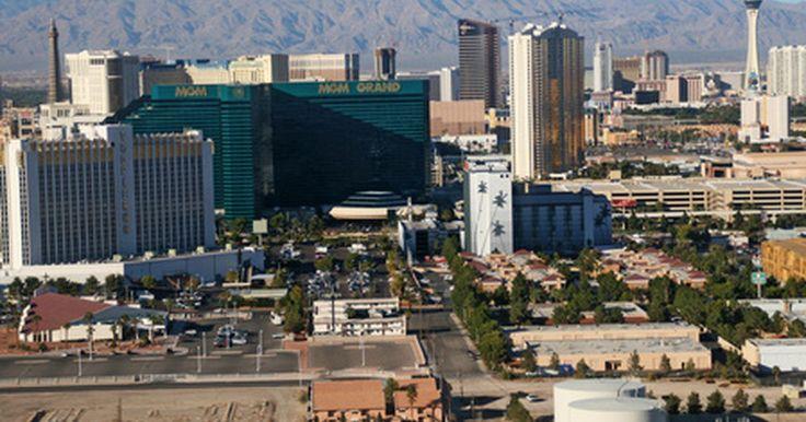 Viajes en autobus a Las Vegas desde Los Angeles. Las Vegas está localizado a solo 270 millas (435 km) de Los Angeles y por lo tanto es un destino popular para residentes y visitantes del sur de California. Mientras que varias aerolíneas ofrecen vuelos rápidos entre estos dos destinos (viajes que toman un poco más de una hora), una excursión en autobús puede ser una buena alternativa para ...