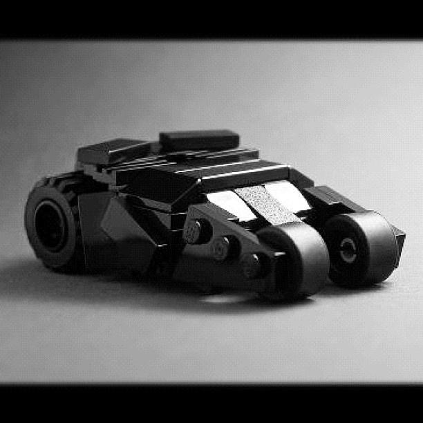 Build yourself LEGO Batman Mini Tumbler by Tiler - @Elephanti App App