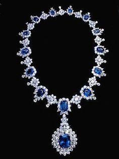 194.68 carat sapphire & diamonds big necklace white gold 14K