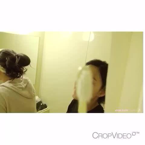 Hayoung and Naeun dancing to sistar19 - APINK DIARY SEASON2 SPECIAL (adieu 2015) #Apink #Hayoung #에이핑크 #하영 #Naeun #나은