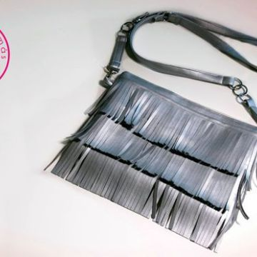 DIY Bolso plateado de flecos