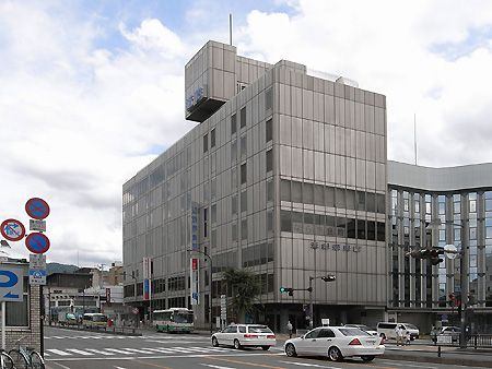 No.74 近鉄奈良駅 http://www.n-camera.net/archi/2009/02/post-51.html