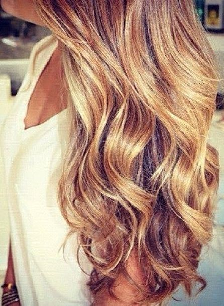 Wish I could wear my hair like this. I have the hair, but there must be a technique..