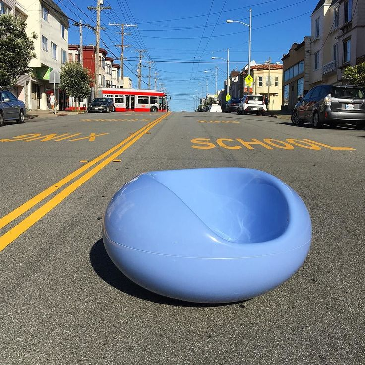 """Big Blue soaking up the sun in the outer Richmond today. Vintage Eero Aarnio """"Pastil"""" chair designed in 1976 and produced by Adelta in Finland. #eeroaarnio #fiberglass #authentic #design #classic #interiordesign #industrialdesign #iconic #architecture #sanfrancisco #localstrange #mixednutssf by localstrange"""