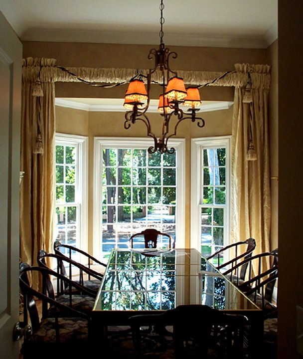 16 best images about bow windows on pinterest window for Window treatments for bay windows in dining room