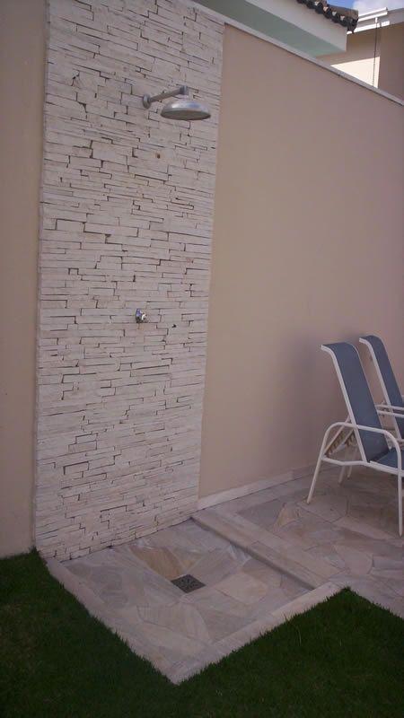 Modelo da área reservada do chuveiro (parede e chão).