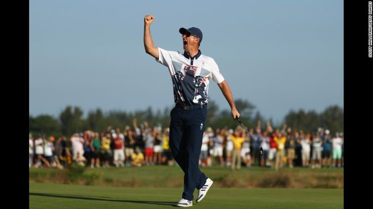 Justin Rose of Great Britain celebrates after <a…