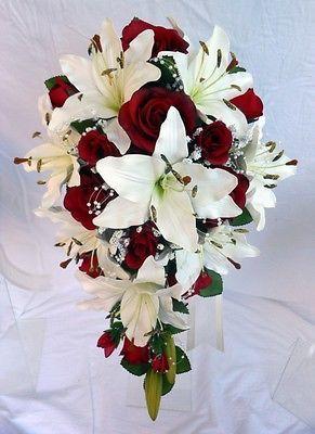 Ramo de boda en forma de lágrima, lirios de marfil, rosas de Borgoña, arcos de cuentas …