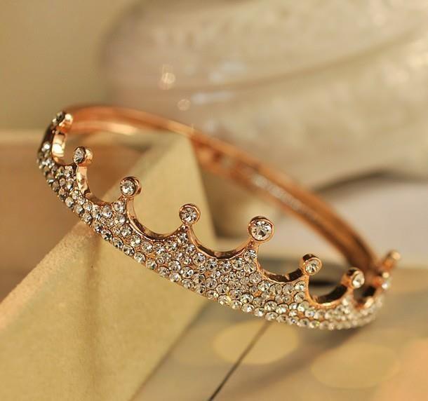Beautiful tiara wedding ring - My wedding ideas