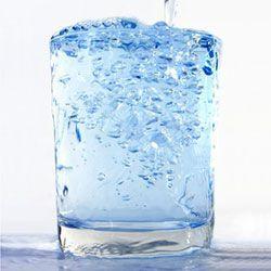 Experiment für Kita-Kinder: Wo geht der Zucker im Wasser hin?