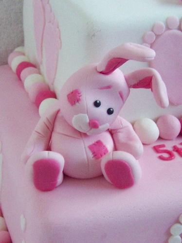 Tortendeco .... und den süssen kleinen Kerl soll man essen... NIEMALS ! Cuddly rabbit by Mystical Mischief, via Flickr