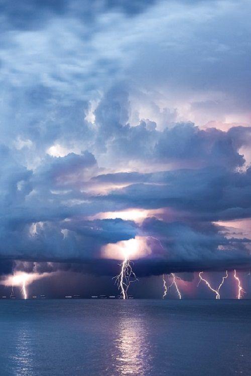 Adriatic sea lightning barrage by weather-photosNET.