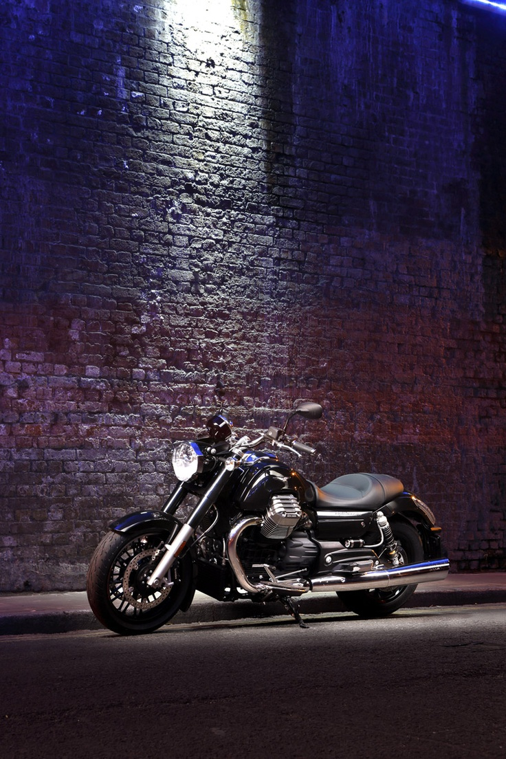 Moto Guzzi California 1400 Custom - Powerful, quick and elegant, it is built to make elite bike enthusiasts' hearts beat fast and it has been the emblem of #Moto #Guzzi's culture and ability to build unique #motorbikes since 1921. #luxury #California #custom #london #photo shooting